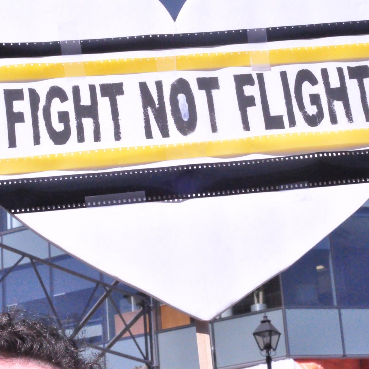 Protesta alrededor de la Province House NS. Foto: Yann Lobainahttps://en.wikipedia.org/wiki/Province_House_(Nova_Scotia)