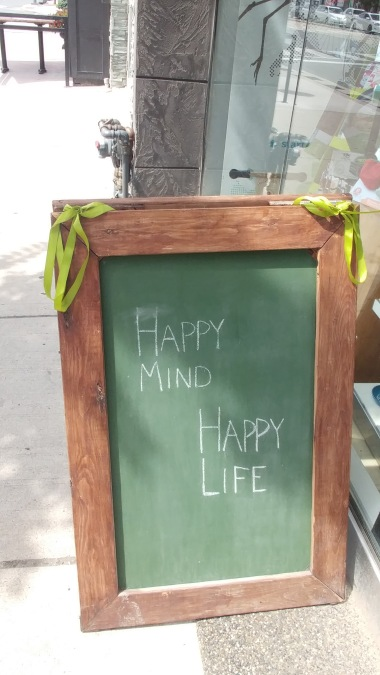 """HAPPY MIND HAPPY LIFE"""