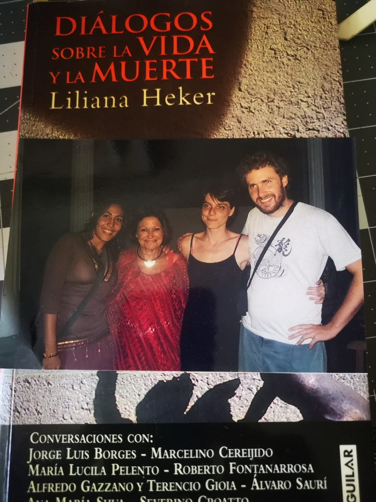 En la Foto junto a Liliana Heker,  dos Jóvenes  escritores, super Talentosos y que quiero mucho, Marina Porcelli( Argentina) y Miguel Del Campo(Chile) y Yo. Habana, Cuba ( 2008. )